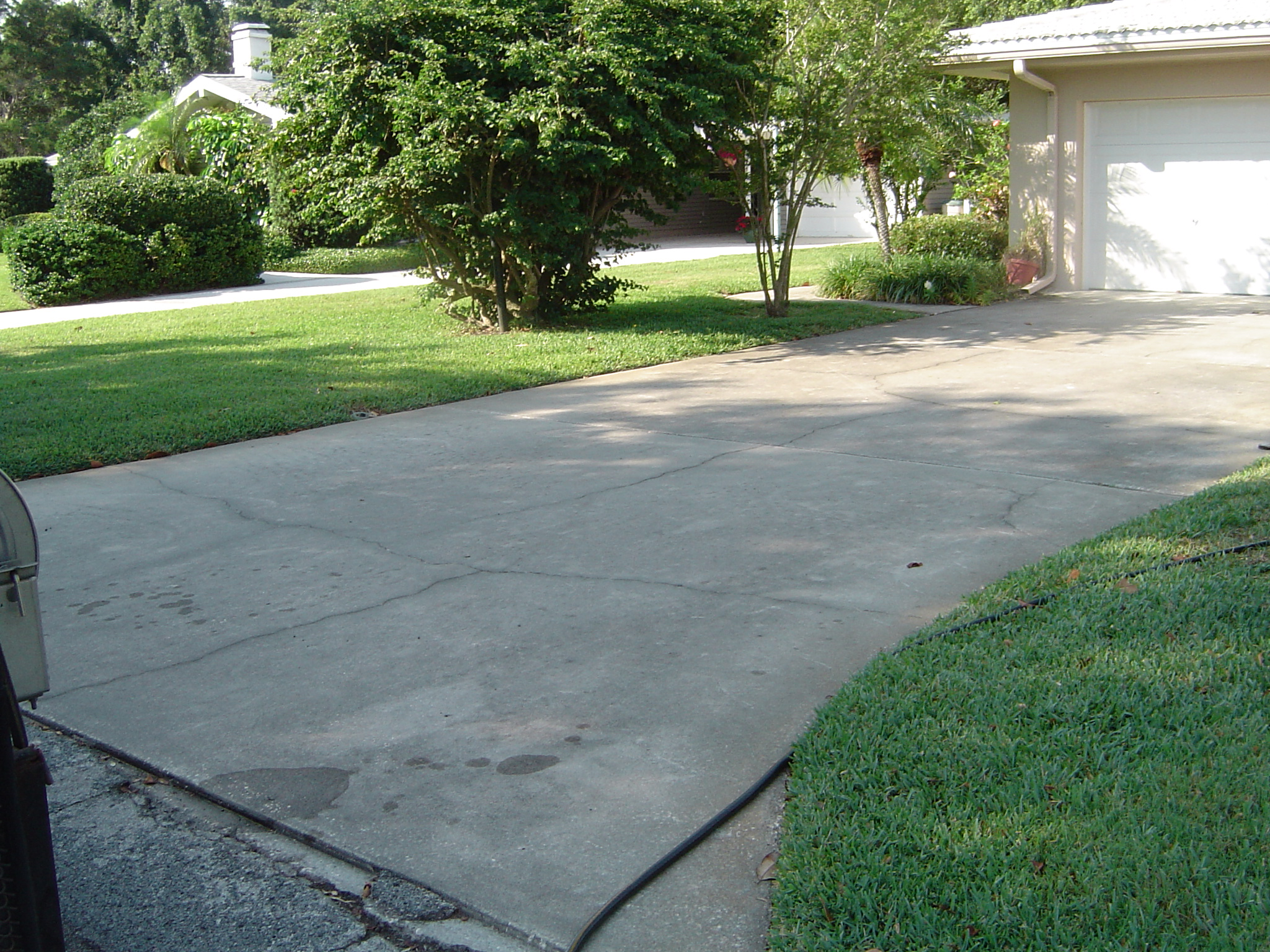 all surface pressure cleaning driveway and sidewalk On concrete sidewalk cleaner