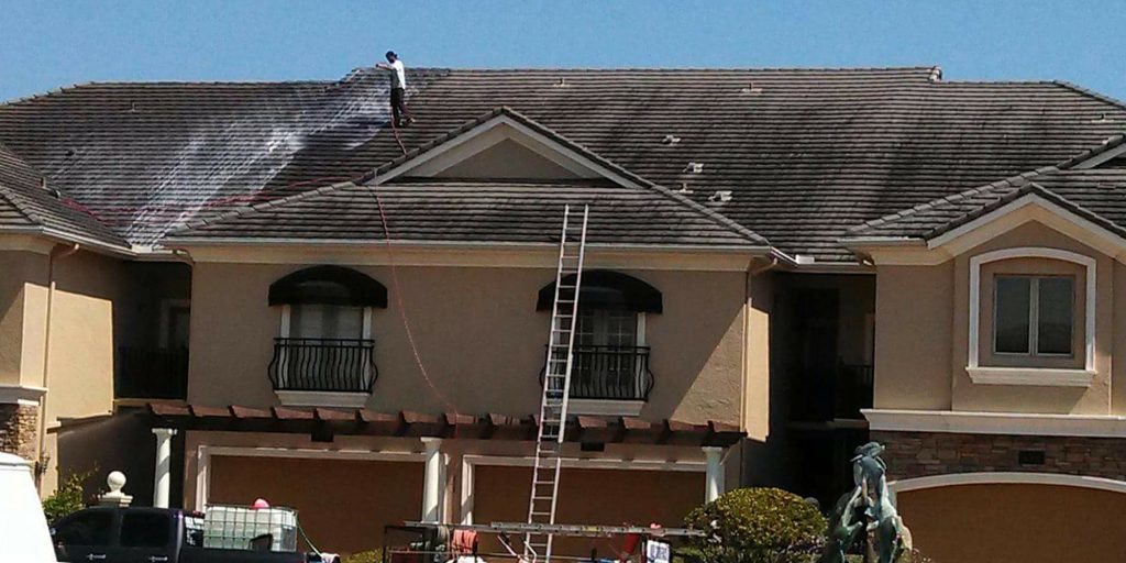 Condo & Townhouse Roof Cleaning